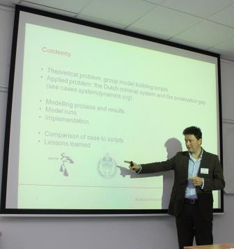 Prof. Dr. Etienne Rouwette sprach über ein Group Model Building Projekt bei dem niederländischen Justizministerium